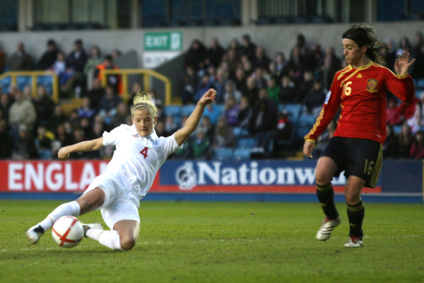 England & former Arsenal midfielder Katie Chapman reflects on her career path