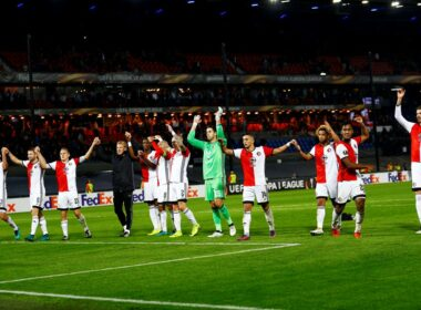 Ajax, Dutch football, Eredivisie, Feyenoord, Giovanni Van Bronckhorst, PSV, PSV Eindhoven, Ronaldo, Title race